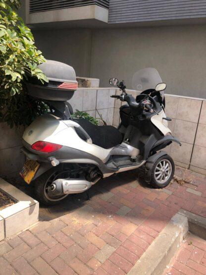מנוע לקטנוע פיאג'ו MP3 300